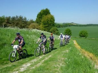 Group of riders on a beginnger friendly ride near Swindon.