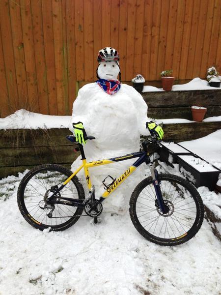 Mountain bike snowmand