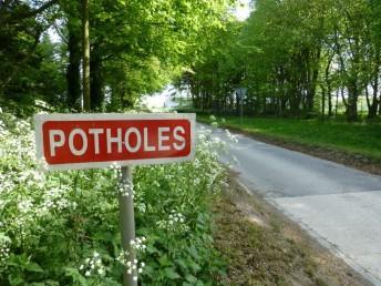 Salisbury ranges pothole sign