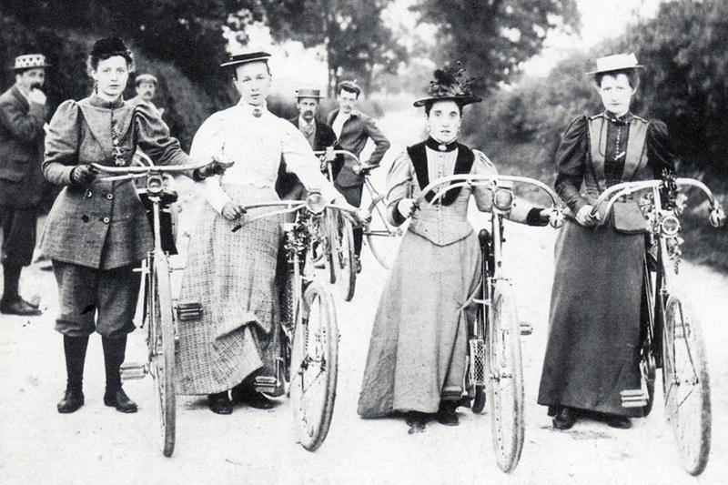 ladies_bicycle_COSTUME_OLDBIKE_EU_